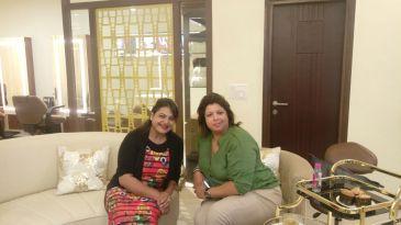 ENtreprenuer Ritu Dhawan of Just In Time brand and Dr Ekta Chadha Aesthetic Dental Surgeon of Smile Studio