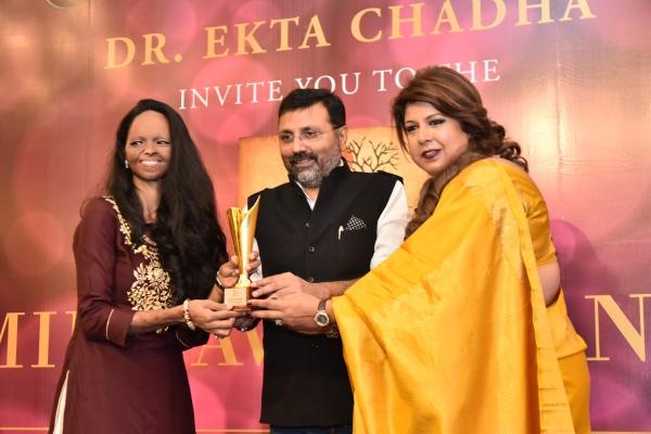 Laxmi gets Award