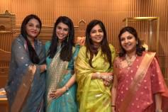 Sunita Shekhawat with Sanaa Singhania, Niharika Shekhawat & Vidhi Singhania