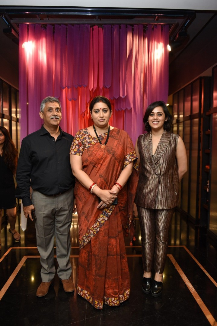 Mr. Bharat Shah with Honourable Union Cabinet Minister of Textiles and Information & Broadcasting Ms. Smriti Irani and Palak Shah